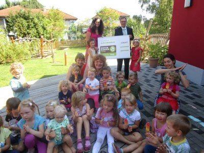 foto-naturkinder-preisuebergabe-gruppe